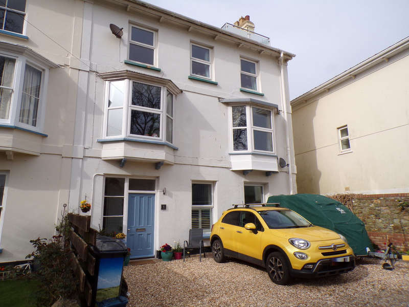 3 Bedrooms Maisonette Flat for sale in Major Terrace, Seaton