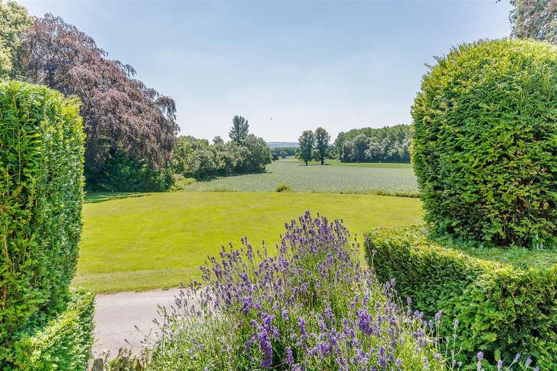 2 Bedrooms Flat for sale in Temple Grafton, Alcester, Warwickshire