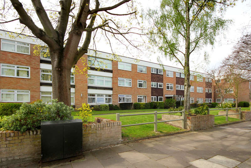 2 Bedrooms Flat for sale in Park View Road, W5