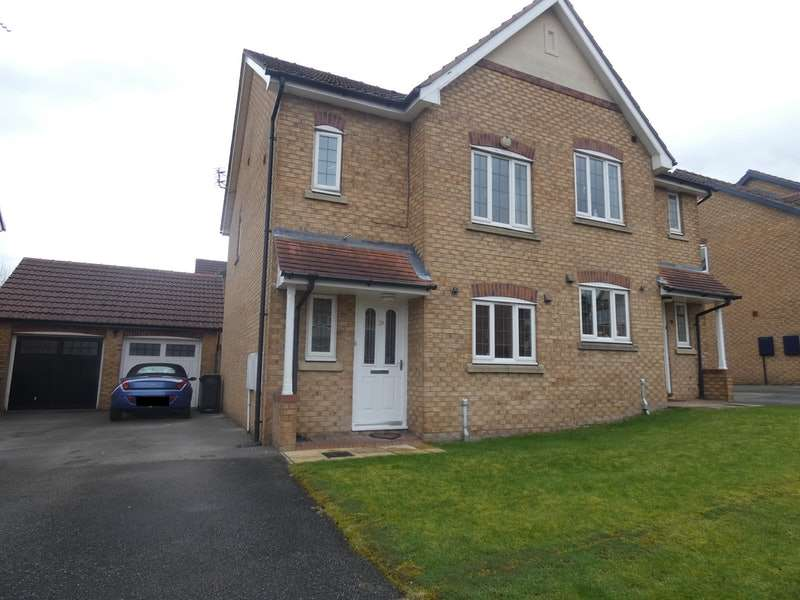 3 Bedrooms Semi Detached House for sale in Millers Croft, Batley, West Yorkshire, WF17