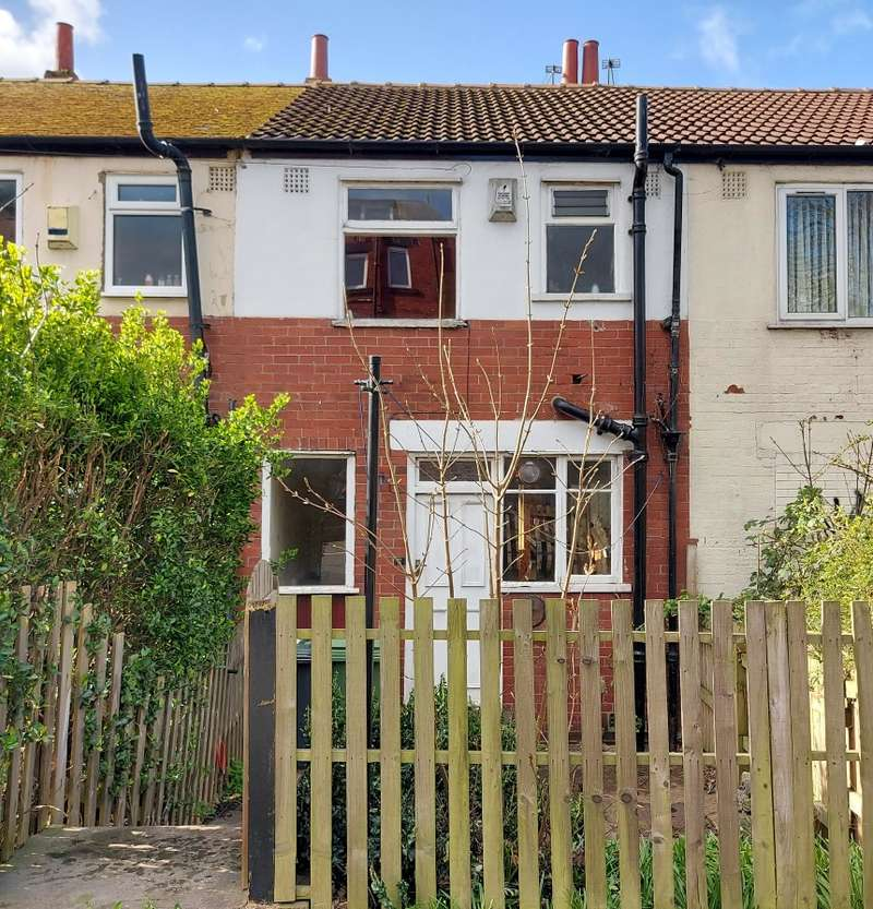 2 Bedrooms Terraced House for sale in Manor Avenue, Leeds, West Yorkshire, LS6 1BY