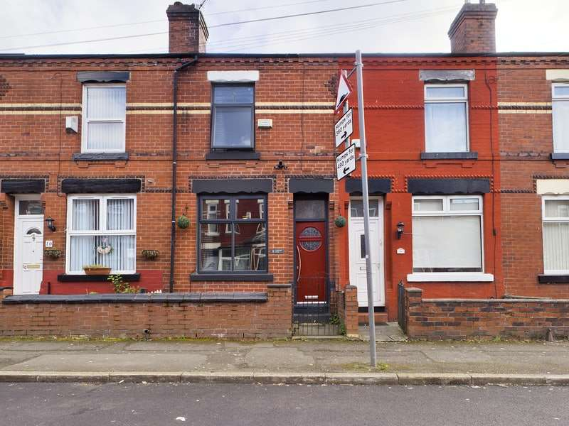 2 Bedrooms Terraced House for sale in Carberry Road, Manchester, Greater Manchester, M18