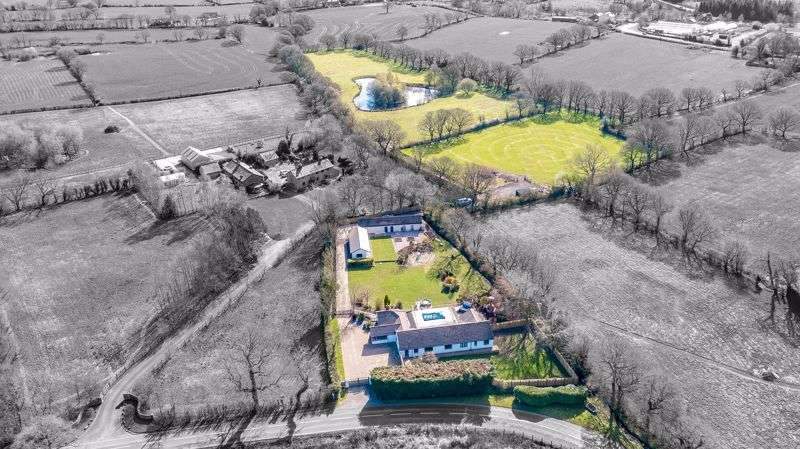 "5 Bedrooms Property for sale in ""Oakfields"" THE Perfect Work Life Balance - 8 ACRE PRIVATE ESTATE -Euxton PR7 6EY"