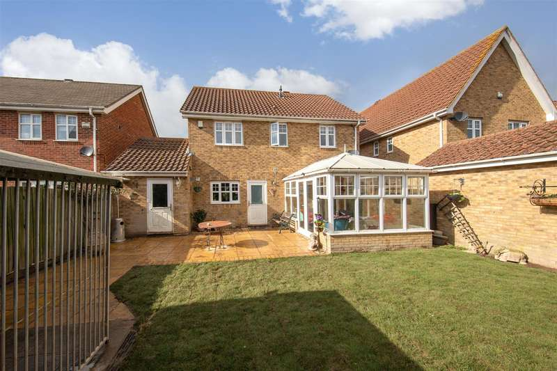 4 Bedrooms Detached House for sale in French's Gate, Dunstable