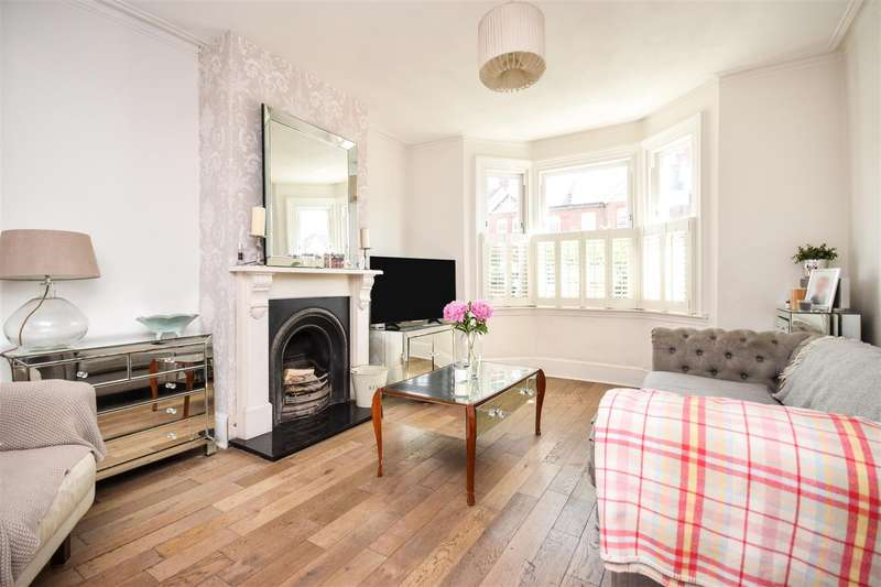3 Bedrooms Terraced House for sale in Kingston Road, Raynes Park