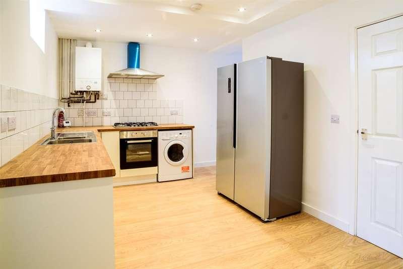 8 Bedrooms Semi Detached House for rent in **114pppw** Queens Road East, Beeston