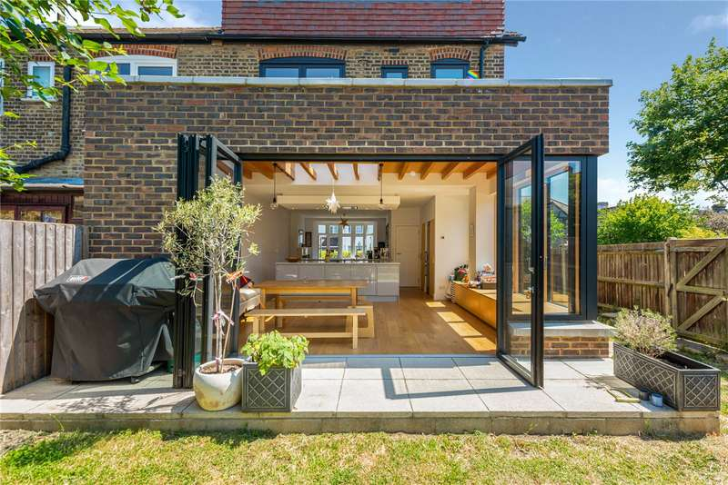 3 Bedrooms Semi Detached House for sale in Uffington Road, West Norwood, London, SE27