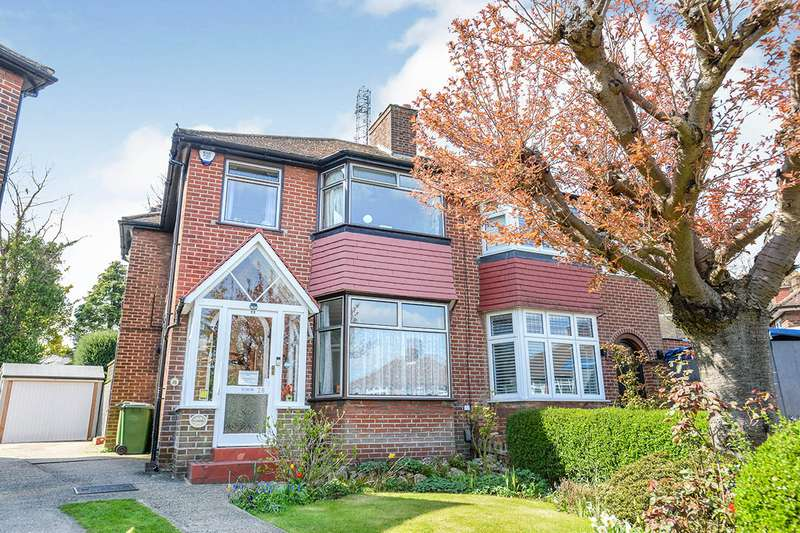 3 Bedrooms Semi Detached House for sale in Bushmoor Crescent, London, SE18