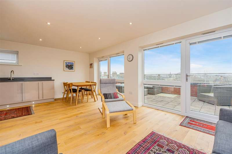 2 Bedrooms Penthouse Flat for sale in Stonesby Square, De Montfort Street, Leicester
