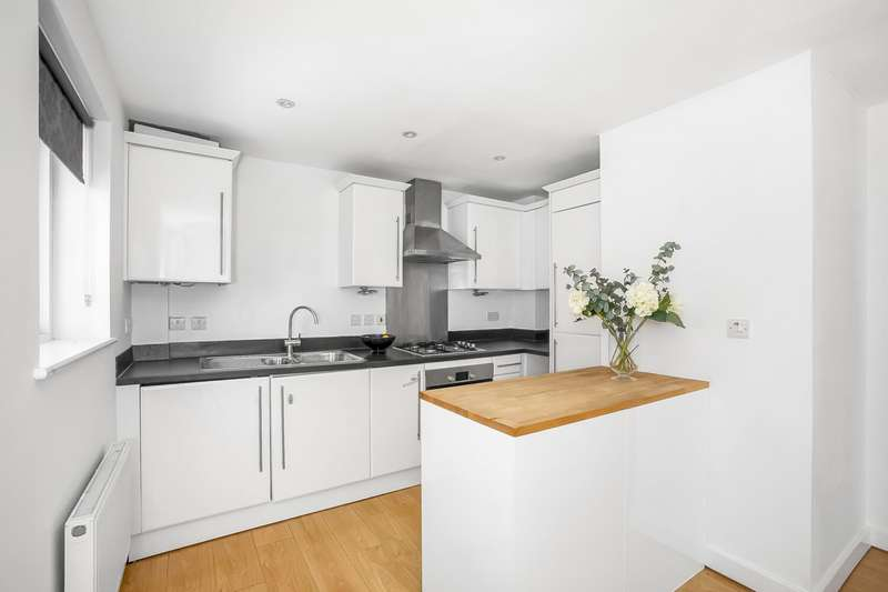 2 Bedrooms Flat for sale in Beulah HIll, Upper Norwood