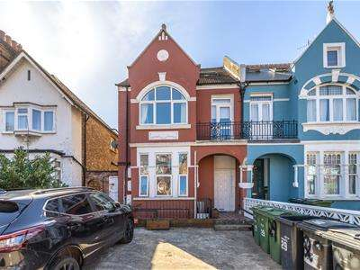 2 Bedrooms Flat for sale in Stanthorpe Road, London