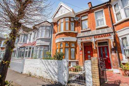 5 Bedrooms Terraced House for sale in East Ham, Newham, London