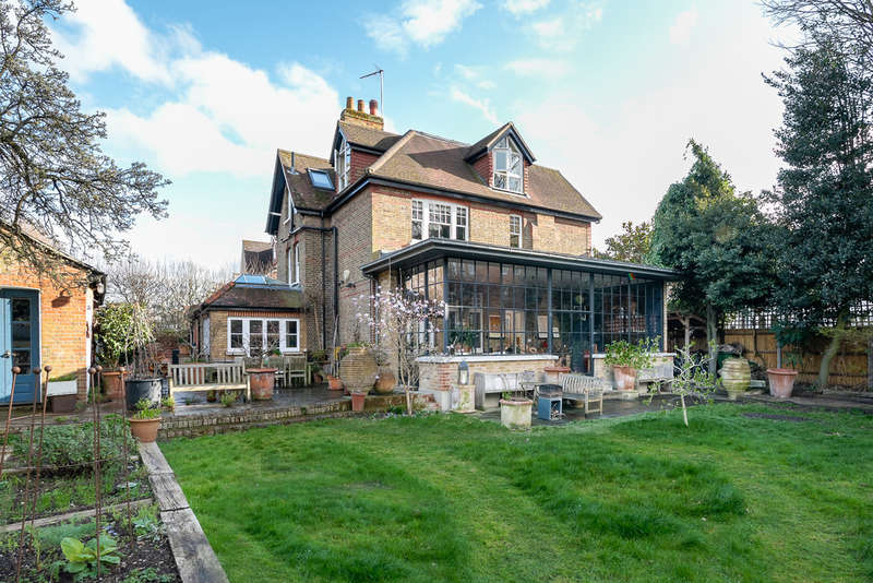 5 Bedrooms Detached House for sale in Elm Bank Gardens, Barnes