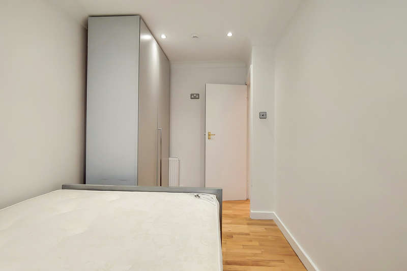 1 Bedroom Flat for sale in 62 Argyle Street, London WC1H