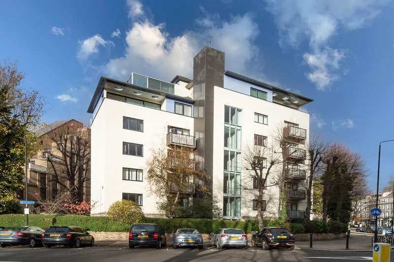 2 Bedrooms Flat for sale in Parkland Court, Addison Road, London