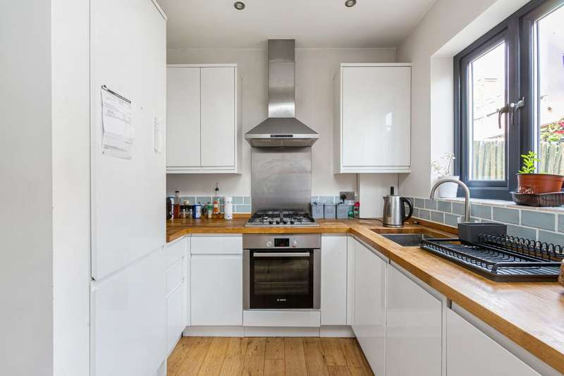 2 Bedrooms Cottage House for sale in Coteford Street, Coteford Street, London SW17