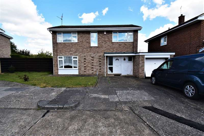 4 Bedrooms Detached House for sale in Willow Hill, Stanford-Le-Hope