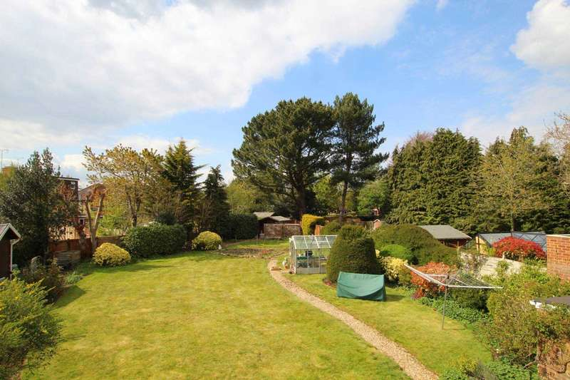 3 Bedrooms Detached House for sale in Westdene Crescent, Caversham Heights
