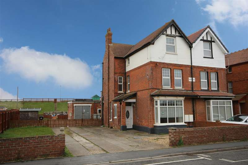 7 Bedrooms Semi Detached House for sale in Trusthorpe Road, Sutton-On-Sea