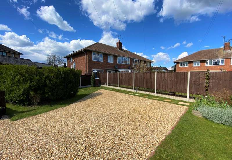 2 Bedrooms Flat for sale in Edinburgh Crescent, Bourne