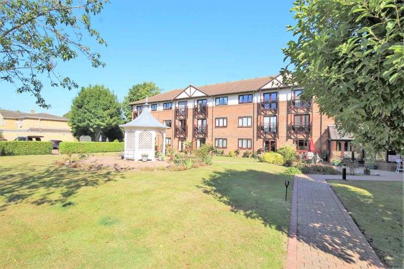 1 Bedroom Property for sale in Sawyers Hall Lane, Brentwood