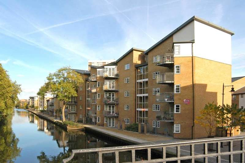 2 Bedrooms Flat for sale in Artillery House, 6 Barge Lane, London, E3