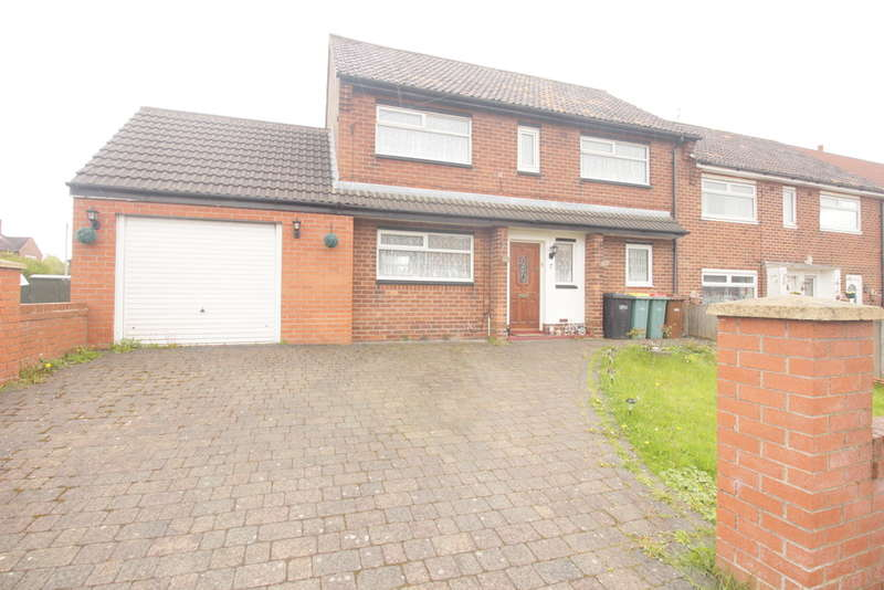 3 Bedrooms End Of Terrace House for sale in Ballam Road, Ashton-on-ribble