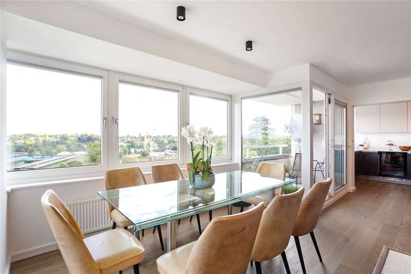 2 Bedrooms Flat for sale in Burghley House, Somerset Road, London, SW19