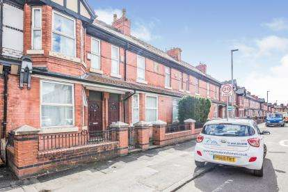 3 Bedrooms Terraced House for sale in Claremont Road, Manchester, Greater Manchester, Uk