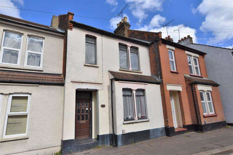 3 Bedrooms Terraced House for sale in Roots Hall Avenue (16), Southend-on-Sea, Essex, SS2