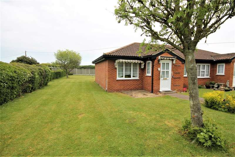2 Bedrooms Bungalow for sale in Rosery Mews, Great Holland