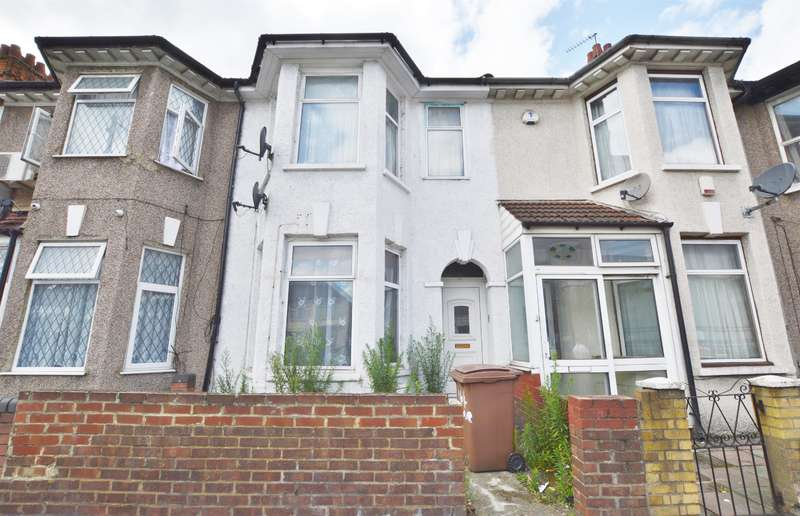 1 Bedroom Flat for sale in Ilford Lane, Ilford, Essex, IG1 2BF