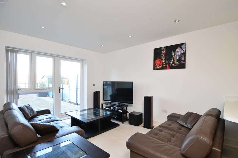 2 Bedrooms Flat for rent in Coombe Lane, Raynes Park, SW20