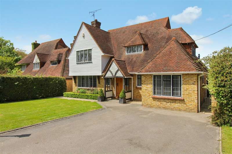 4 Bedrooms Detached House for sale in Roman Road, Mountnessing, Brentwood