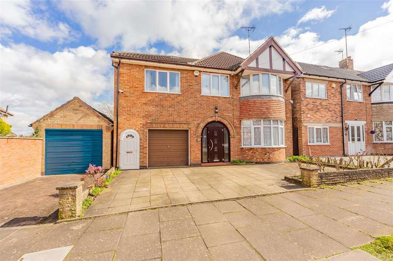 4 Bedrooms Detached House for sale in Frinton Avenue, Evington, Leicester