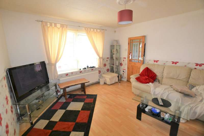 3 Bedrooms Property for sale in Sharmon Crescent, Leicester LE3