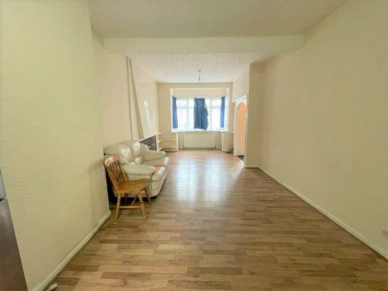 3 Bedrooms House for rent in Malvern Road, East Ham, E6