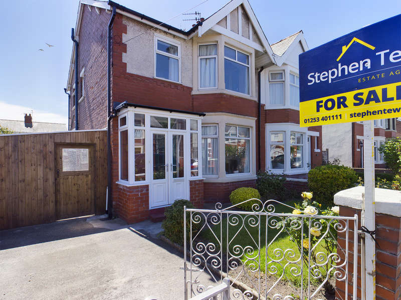 3 Bedrooms Semi Detached House for sale in Sawley Avenue, South Shore FY4