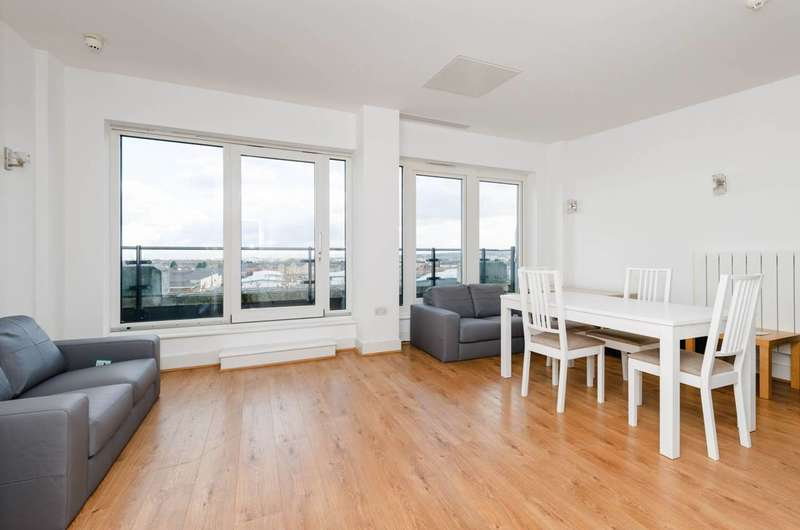 3 Bedrooms Flat for rent in Cadogan Road, Woolwich, SE18
