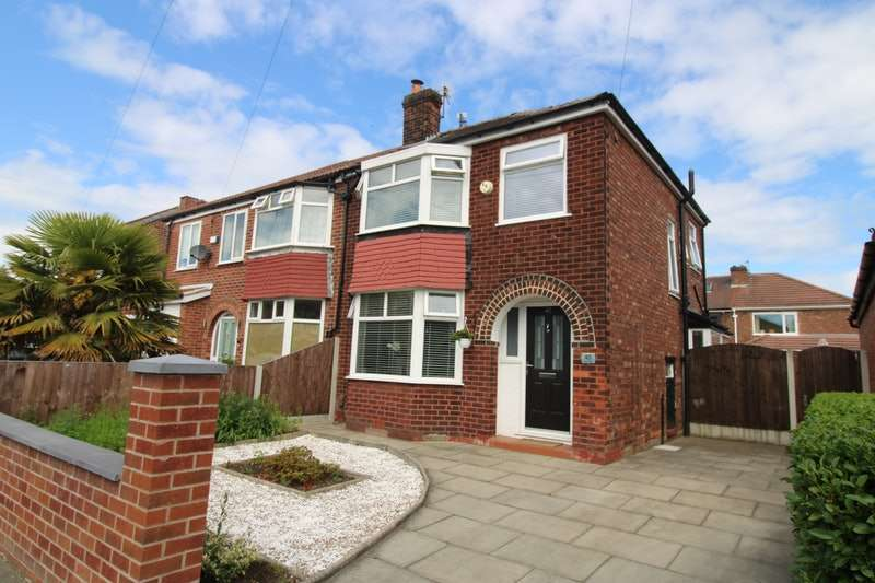 3 Bedrooms Semi Detached House for sale in Thorn Road, Manchester, Greater Manchester, M27