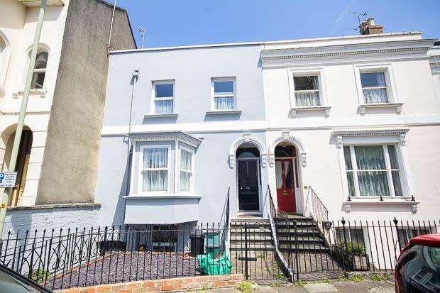 3 Bedrooms Town House for sale in St Lukes Road, Cheltenham, GL53 7JJ