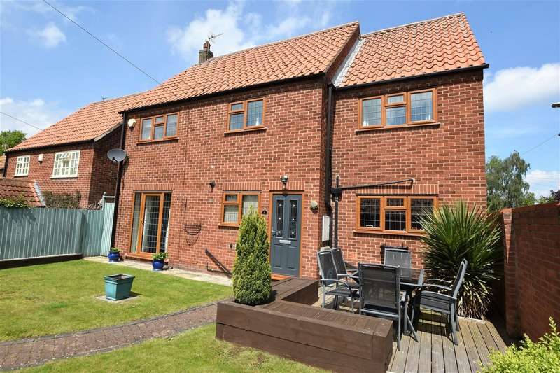 4 Bedrooms Detached House for sale in Pinfold Walk, East Leake