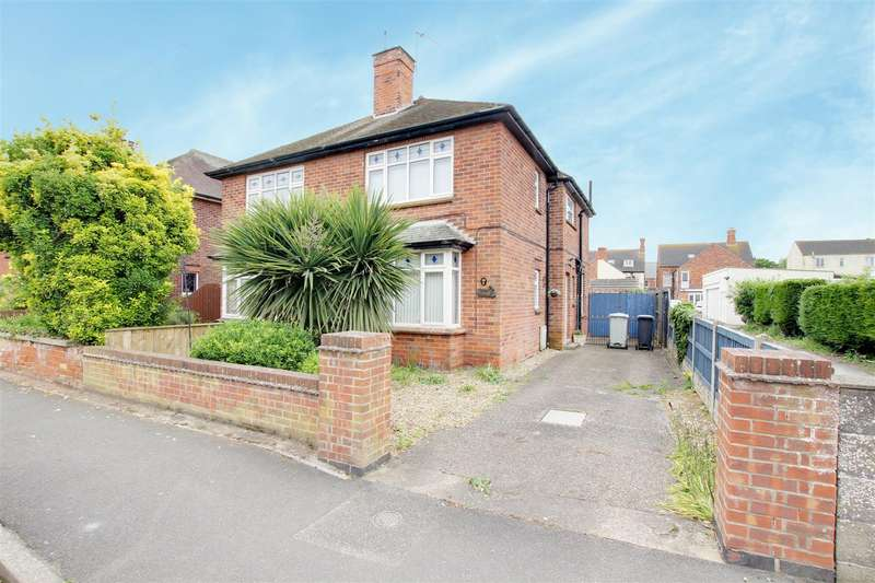 3 Bedrooms Semi Detached House for sale in Admiralty Road, Mablethorpe