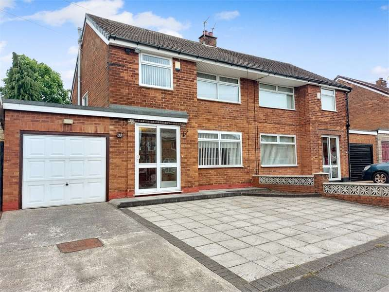 3 Bedrooms Semi Detached House for sale in Warwick Road, Alkrington, Middleton, Manchester, Lancashire