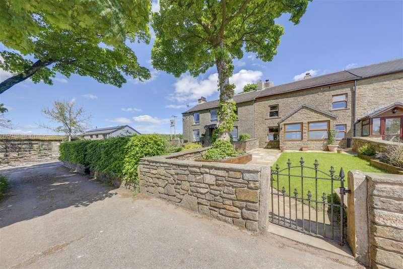 4 Bedrooms Cottage House for sale in Sandy Lane, Accrington, Lancashire