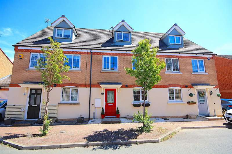3 Bedrooms Town House for sale in Clover Way, Syston