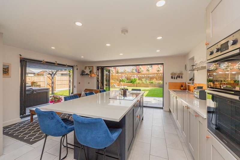 5 Bedrooms Detached House for sale in South Kilworth Road, North Kilworth, Lutterworth