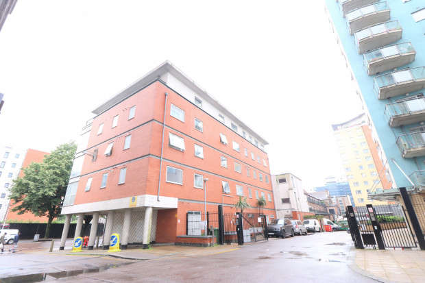 2 Bedrooms Apartment Flat for sale in Choice View, Axon Place, Ilford, IG1