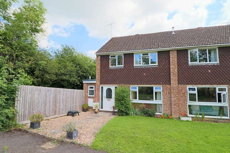 3 Bedrooms Semi Detached House for sale in Norton Close, Winchcombe