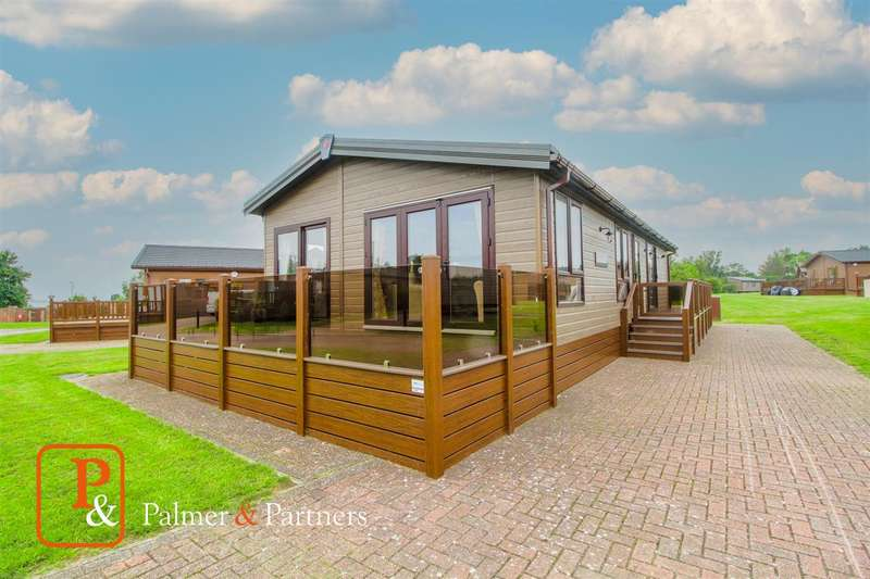 2 Bedrooms Detached House for sale in Pemberton Rivendale, Seaview Avenue, West Mersea, Colchester, CO5
